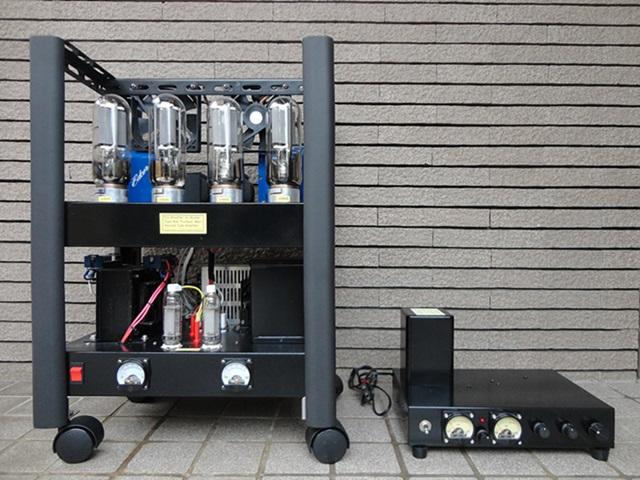 直熱真空管845プッシュプルステレオアンプの写真です。
