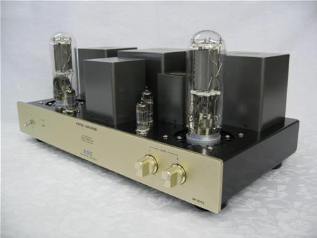 真空管ステレオパワーアンプの写真です。