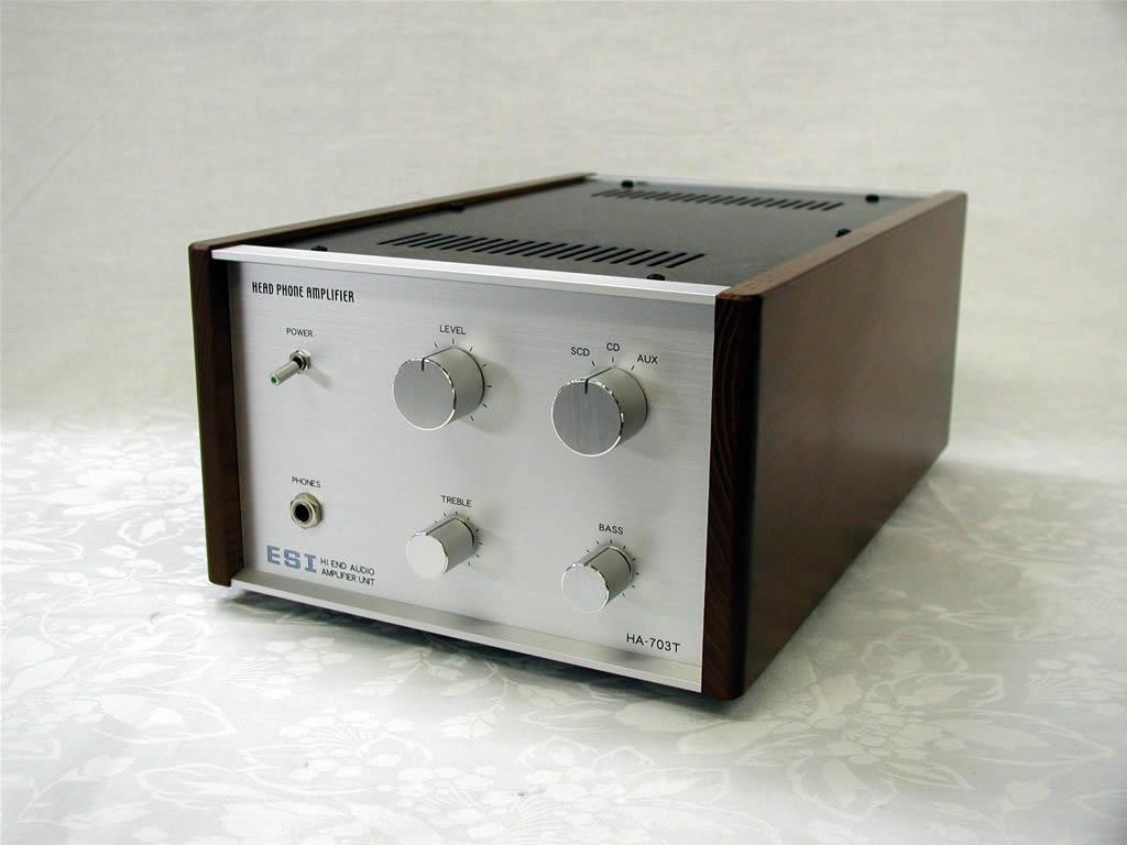 真空管ヘッドフォンアンプの写真です。
